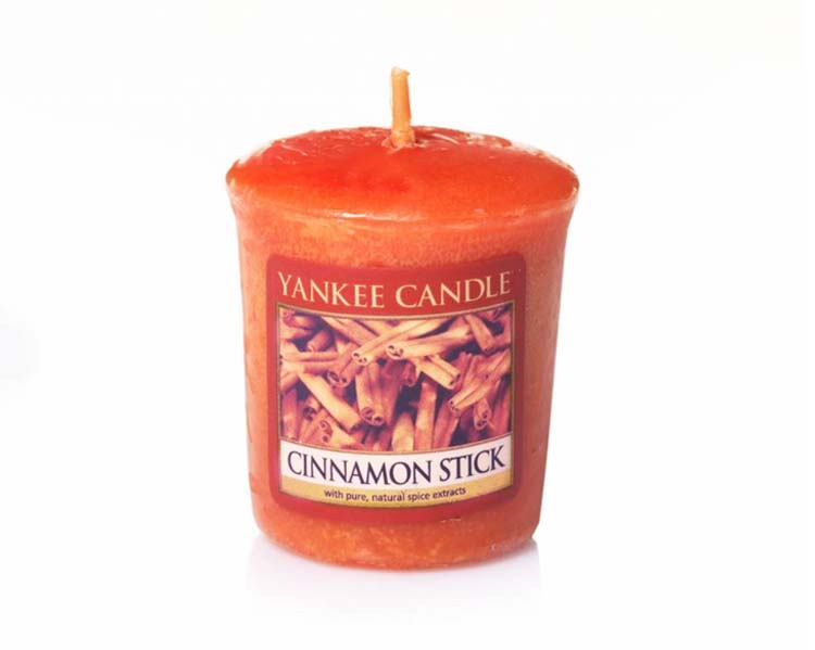 CANDELA CINNAMON STICK VOTIVE CLASSIC CM: 4.6 x 4.8
